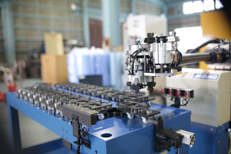 前置き型ロボットによる搬送の自動化